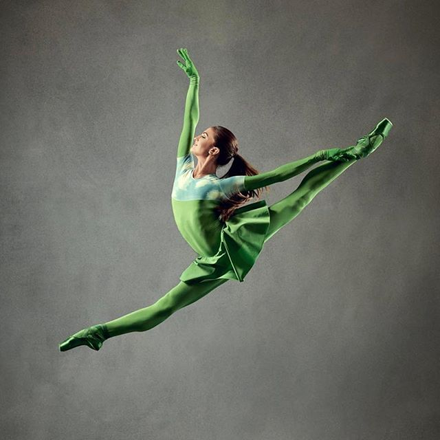 "WOW! Are you EXCITED for summer!? We love this photo of Alumna, Apprentice with Atlanta Ballet, Juliana Missano. Juliana will be joining us for our #rocksbi2019 experience as #guestfaculty ""I am so honored to be teaching at The Rock Summer Ballet Intensive 2019! The Rock School has always been a home away from home for me. Being able to return and share all I have learned and experienced is very exciting. I can't wait to encourage these young dancers to follow their dreams!"" -Juliana  Photographer: @rachelnevillephoto Dancer: Juliana Missano in Atlanta Ballet's performance of Mark Morris' Sandpaper Ballet  #rockalum #rockacademics #rockschoollife #dancewithus #rockSBI2019"