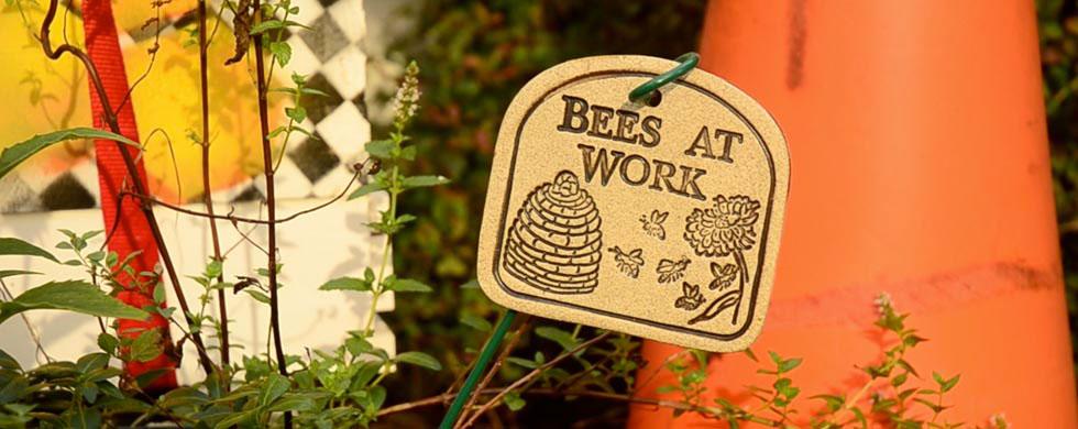 slide_bees_at_work.jpg