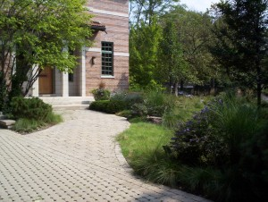 4 - Permeable-pavers-at-Sue-and-Bills-house-300x226