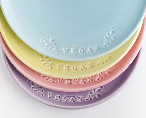 Jeanette-Zeis-Vegan-Dish-plates-pottery.jpg
