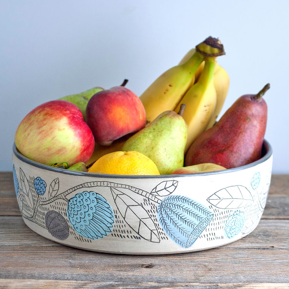 Jeanette-Zeis-pottery-illustrated-fruit-bowl.jpg