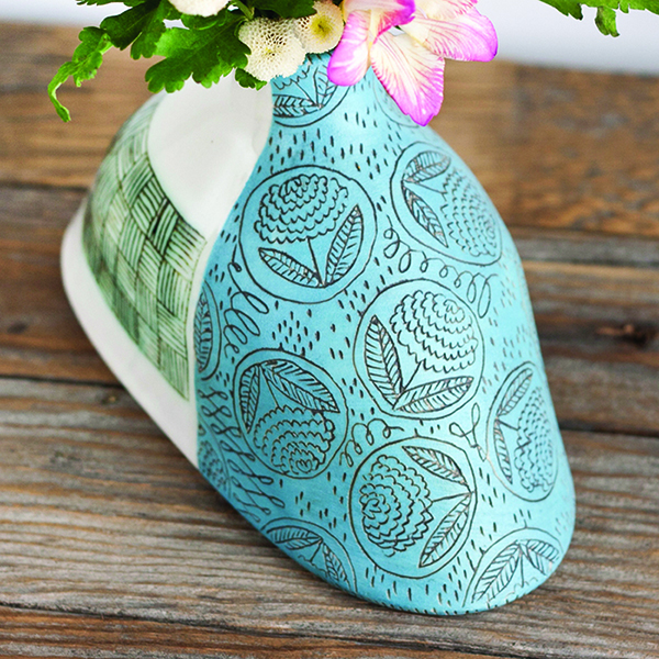 Jeanette-Zeis-ceramic-flower-vase-carving-detail-artwork.jpg