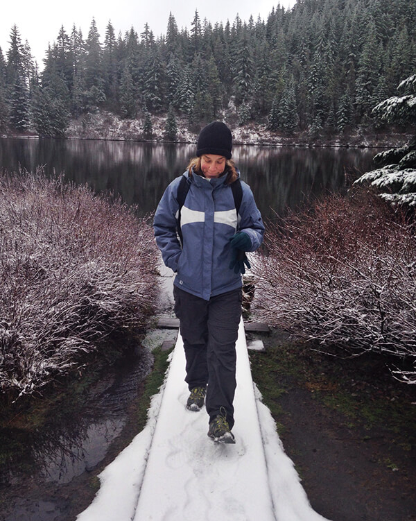 Jeanette-Zeis-hiking-Oregon.jpg