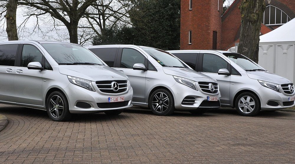 Mercedes V class - VIP - 7 passengers - conference seating
