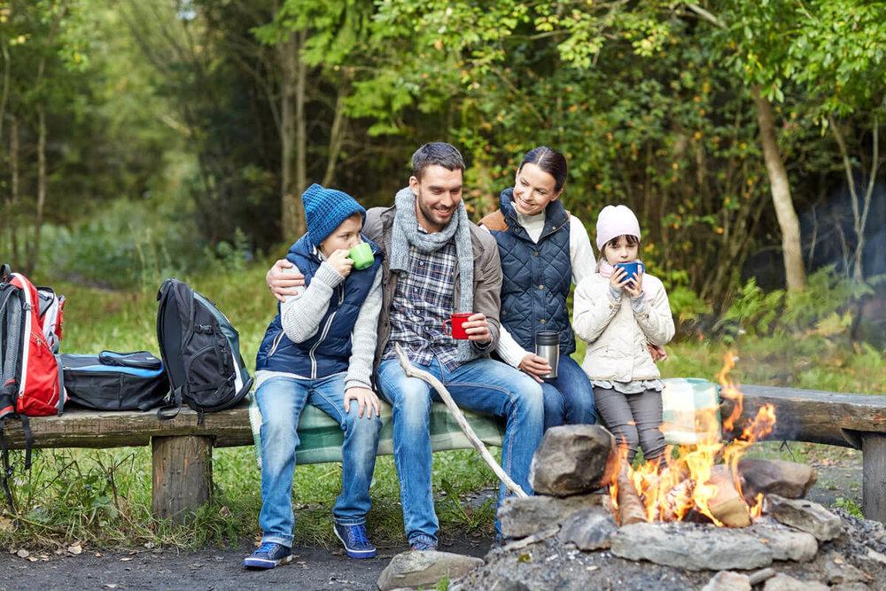 family_camping_dpc94202932.jpg