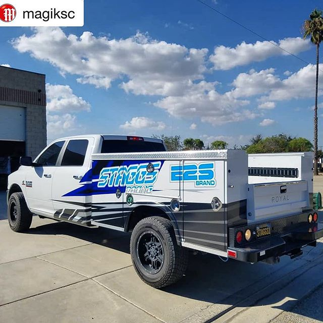 Always keeping our stuff looking clean 💯 #Repost @magiksc ・・・ We got @jerry_fast chase rig all set up with a new wrap today. Metallic silver, cyan blue and gun metal gray look so clean. #magiksc #offroad #moto #bike #vehiclewrap #dodge #2500 #ram2500 #dieseltrucks #e2sbrand #staggsracing #chasetruck #race #racelife #racefamily #life #legit #clean