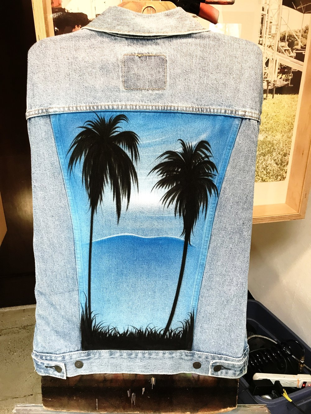 Airbrush California palm trees Coachella Levi's