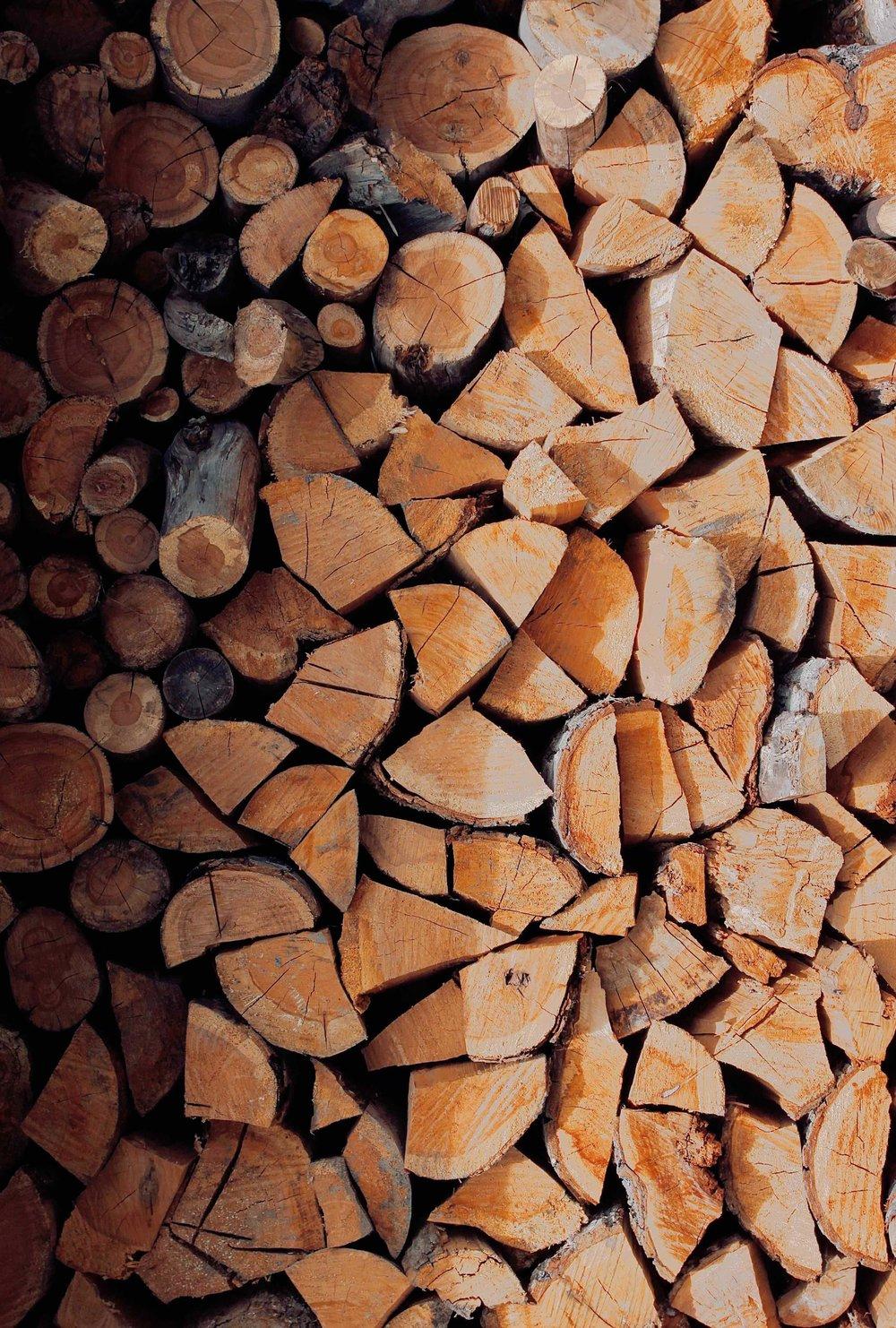 Cabin wood logs.jpg