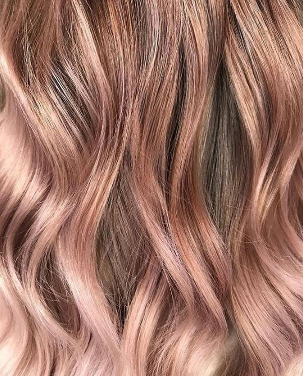 You're making me blush!! 💕 🌈 ✌🏽 ~ #lovehersalon #olaplex #balayage #melbournesalon #melbournehairsalon #melbournehairdresser #melbournehairdressers #colorcorrection #hairmakeover