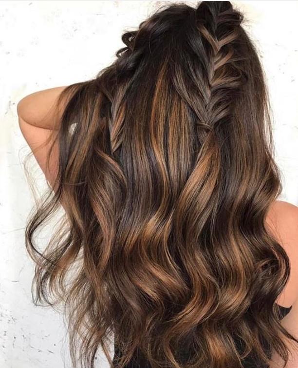 Caramel WaterFALLS 💦 ~ #lovehersalon #olaplex #balayage #melbournesalon #melbournehairsalon #melbournehairdresser #melbournehairdressers #colorcorrection #hairmakeover