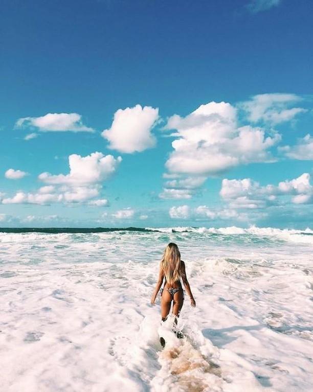 Cloud porn and ocean waves 🌊 ~ #lovehersalon #olaplex #balayage #melbournesalon #melbournehairsalon #melbournehairdresser #melbournehairdressers #colorcorrection #hairmakeover