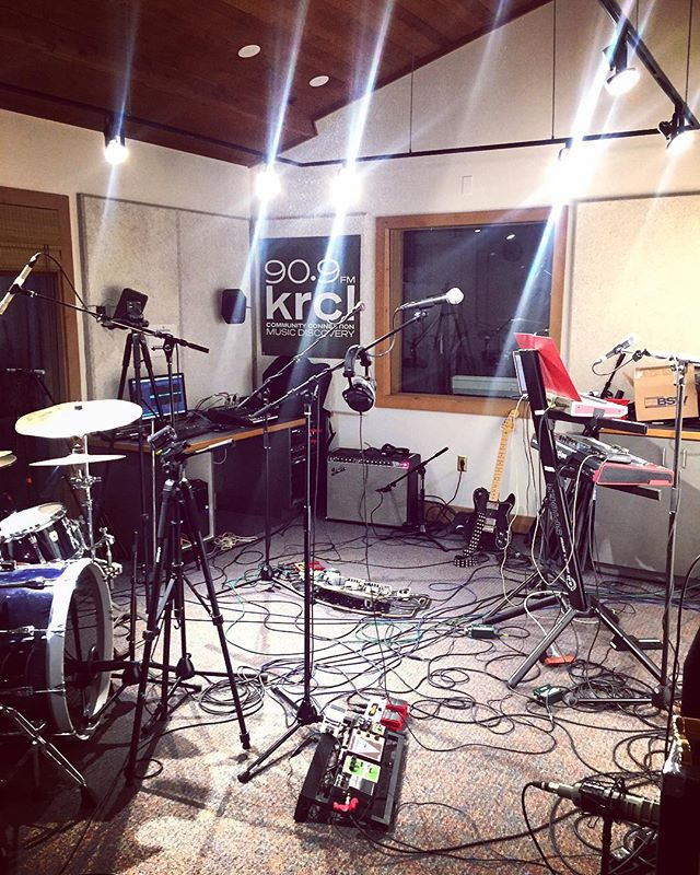 Our view from the KRCL studio a few weeks ago. We had a blast, thanks for having us @circusbrown.  Mortigi Tempo is not responsible for any damaged speakers, or property that may have occurred that evening. Cheers!  #rocknroll #krcl #airwaves #rock #psychedelic #tone #fender #grateful