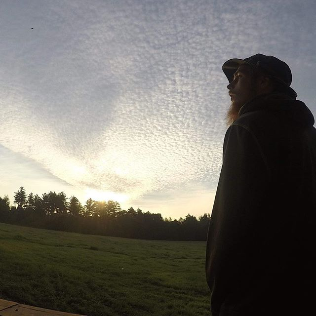 Taylor farm. Love that place and hope to be back soon. 🤙🌅❤️❤️❤️. . . . . . #hiking #naturephotography #nature #hike #vermont #sunrise #sun #hippie #man #clouds #cloud #hat #beard