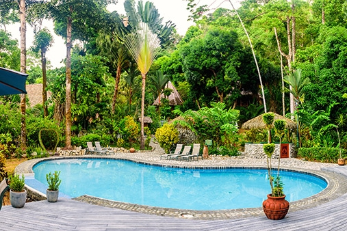luna-lodge-costa-rica-pool.jpg