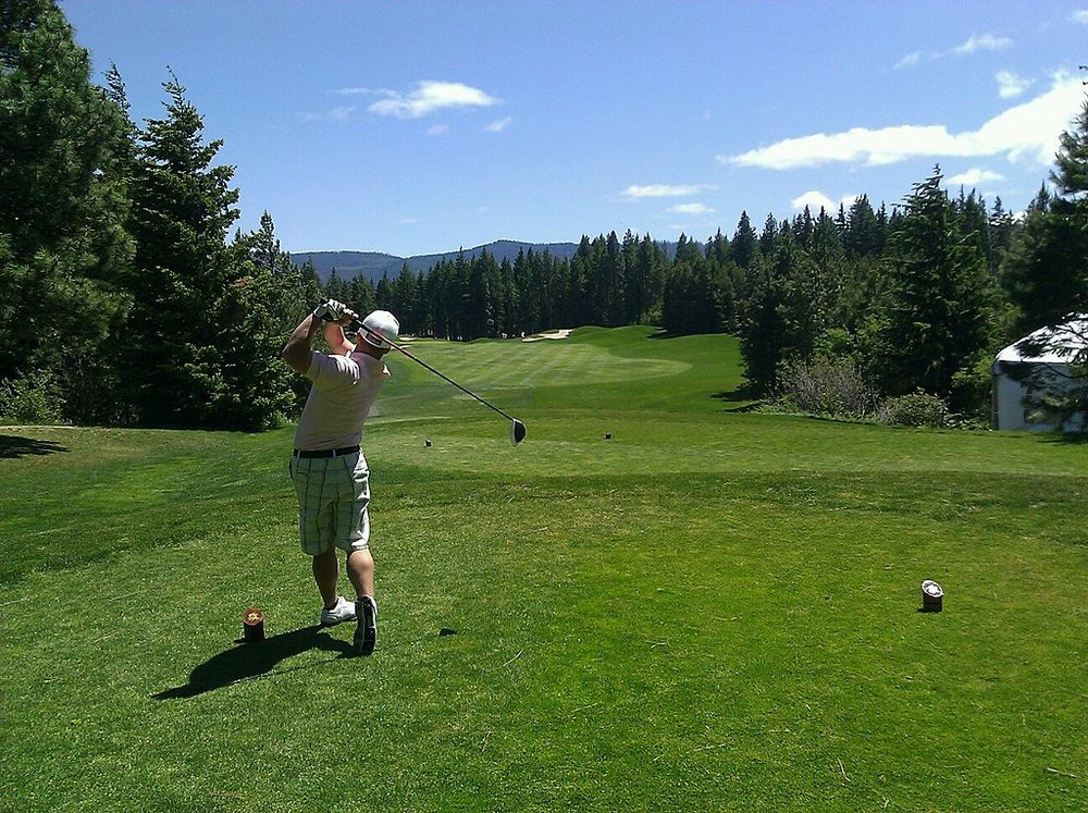 1024px-Golfer_swing.jpg