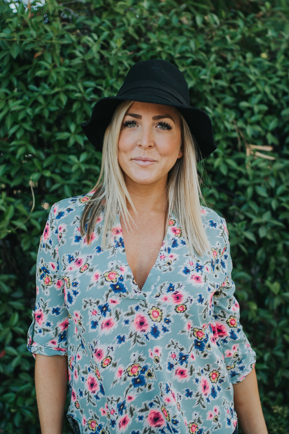 Welcome to Traveling Toned! - Meet Ashley