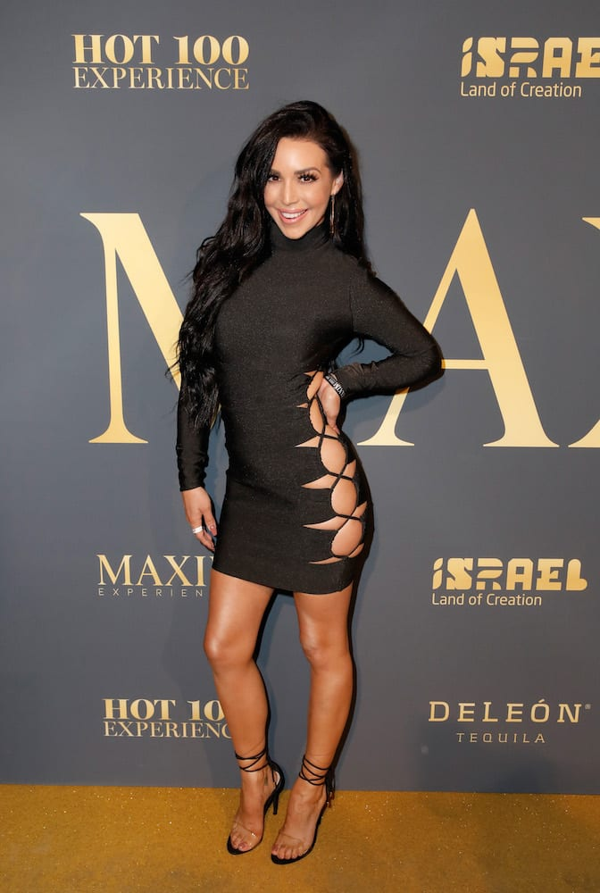 maxim-hot-100-experience-red-carpet-24.jpg