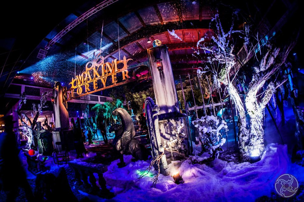 The 2016 Maxim Halloween Party, produced by Karma International, featured amazing set design by Hollywood's best set designers.