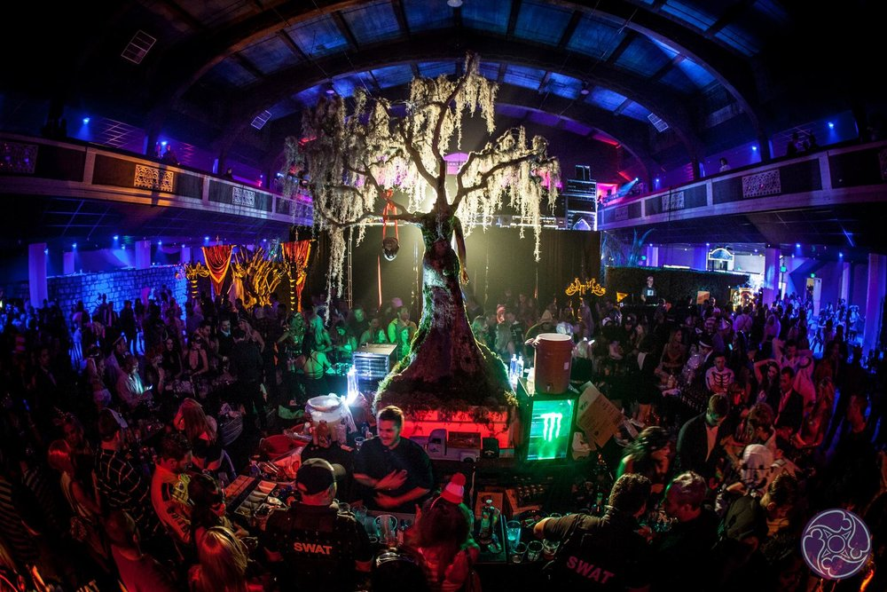 Maxim Halloween Party Features Premium Open Bars and Decadent Cuisine