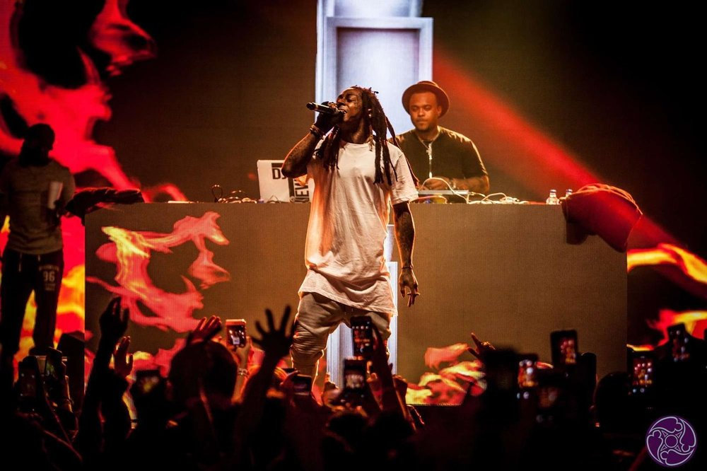 Lil' Wayne performs at the 2016 Maxim Super Bowl Party