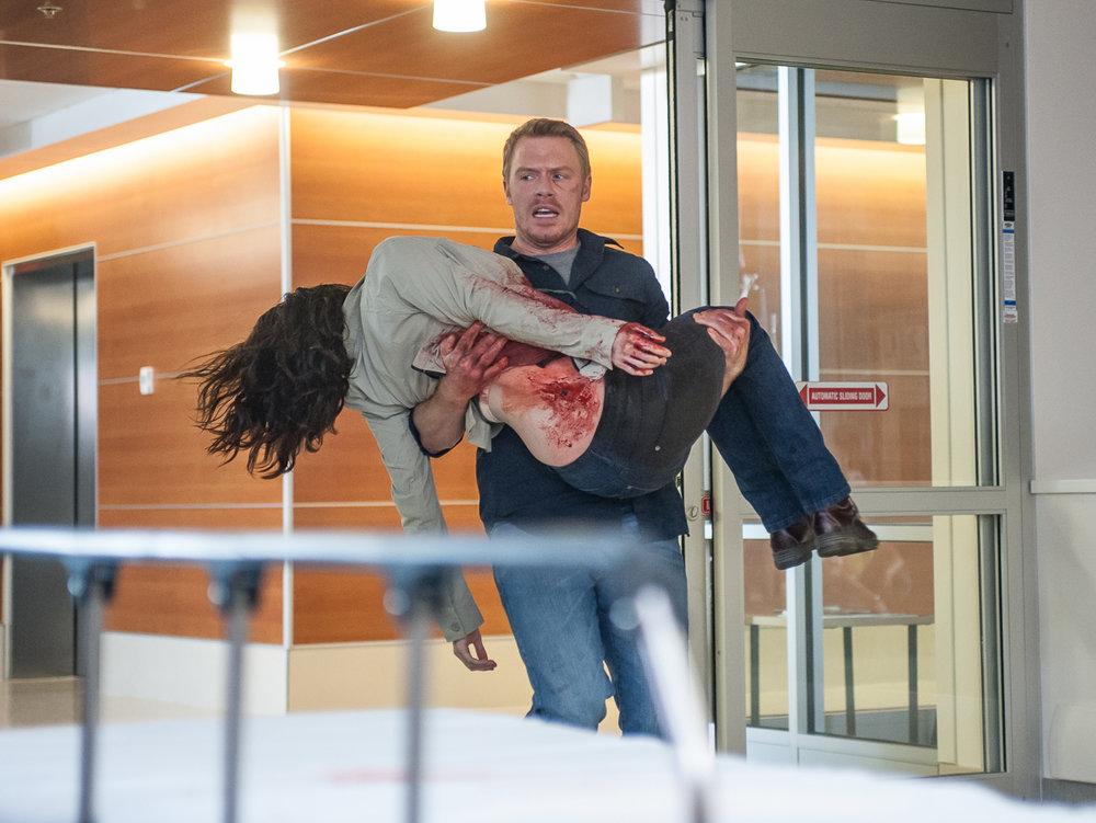 Radius_Liam brings bloody Jane to hospital©ThomasFricke160612-217.jpg