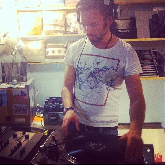 DJ Lechstafari doing a DJ set at Transistor in 2015
