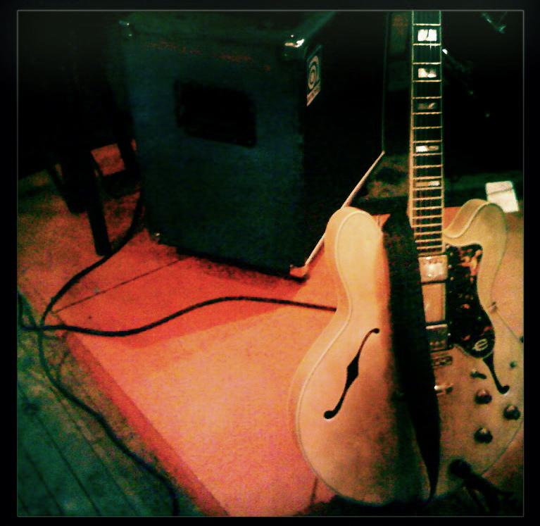 guitar&amp.jpg