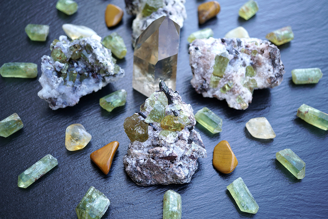WHAT ARE CRYSTALS - Do They Actually Work? A Beginner's Guide by