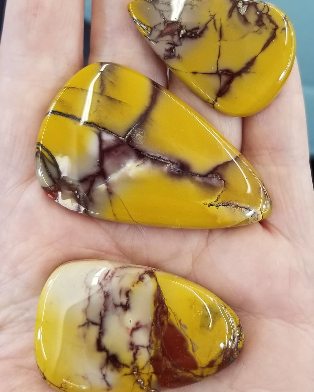 mookaite jasper, chakra healing crystals & gemstones peaceful-island.com, everyday feng shui, car crystals, hypermiling