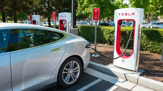It's a new Tesla! - Free Tesla Supercharger, Why pay for gas anyway