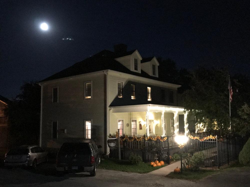 Harvest Moon at Andor Wenneson Historic Inn