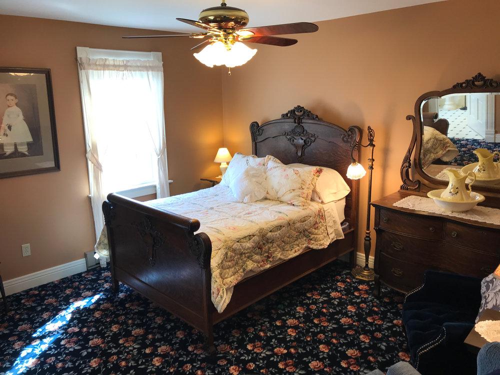 N°2 - Geneva's Room