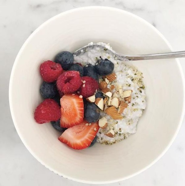 Breakfasts often looks a little something like this around our house. ⁣⠀⠀⠀⠀⠀⠀⠀⠀⠀ ⁣⠀⠀⠀⠀⠀⠀⠀⠀⠀ A big batch of steel cut oats made in the Instant Pot (we batch cook on Sundays) topped with hemp seeds, almonds, and berries with a splash of almond or coconut milk and a smidgen of maple syrup (the real stuff, ALWAYS). ⁣⠀⠀⠀⠀⠀⠀⠀⠀⠀ ⁣⠀⠀⠀⠀⠀⠀⠀⠀⠀ We received our Instant Pot as a wedding gift and it's made meal prep SO much easier.  We have experimented with cooking everything from rice and steel cut oats to curry and lasagna.  We've got lots of recipes coming your way, so stay tuned. ⁣⠀⠀⠀⠀⠀⠀⠀⠀⠀ ⁣⠀⠀⠀⠀⠀⠀⠀⠀⠀ Happy Sunday from our kitchen table, to yours. #arrwell #plantbased #getinmybelly #foodporn #haltonhills #eatlocal