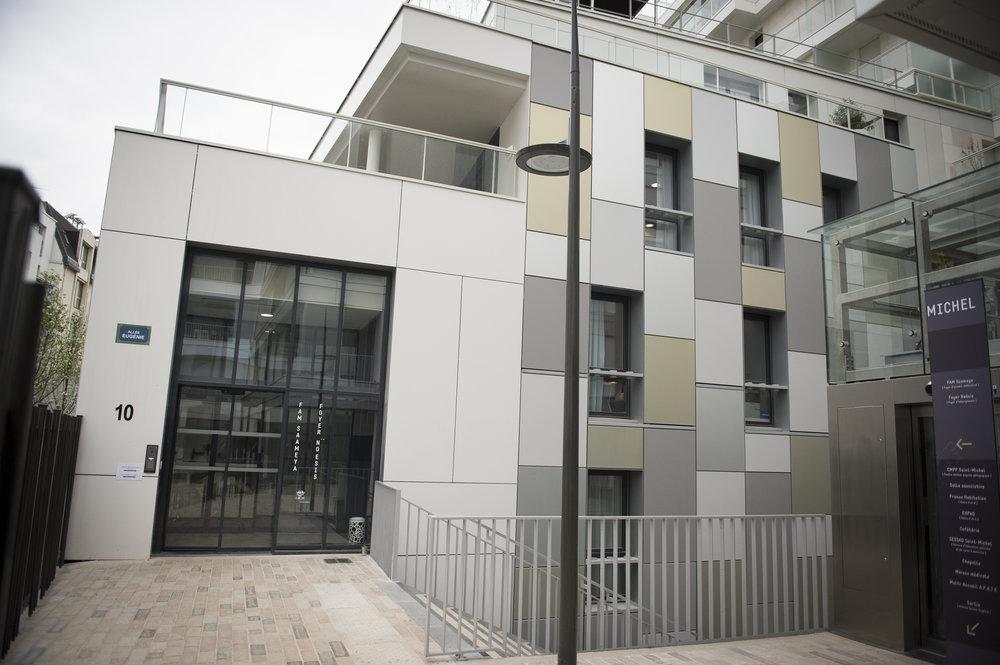 Les structures d'accueil du 15e - Le plus grand nombre de nos structures d'accueil se situe dans le quartier Vaugirard-Convention. Avec trois foyers d'hébergement, un Foyer d'Accueil Médicalisé (FAM), des studios regroupés et un Centre d'Activité de Jour (CAJ), nous proposons des lieux d'accueil adaptés au rythme et aux besoins de chacun.