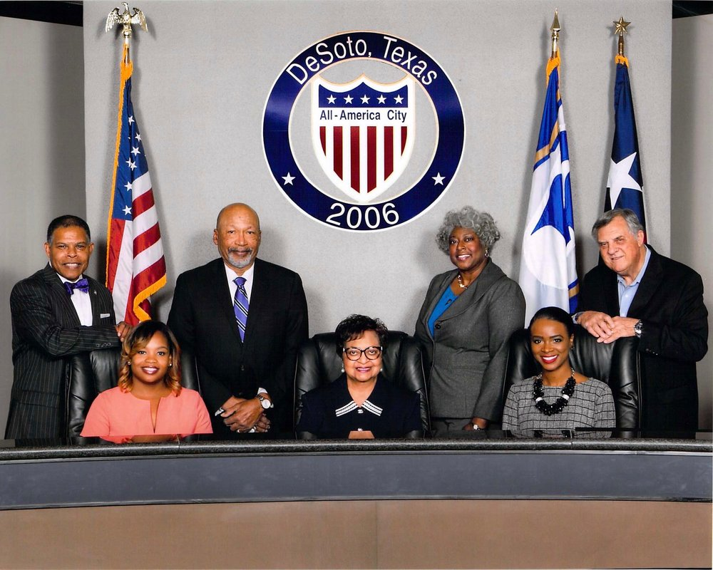 DeSoto City Council Group Picture 2016_2017.jpg