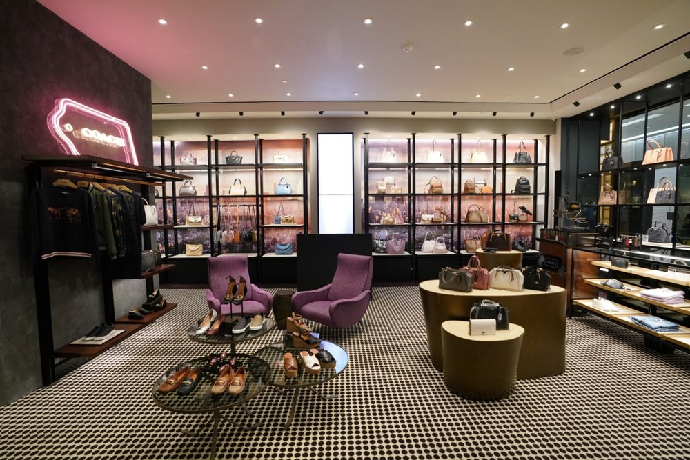 Coach has opened its new boutique, located at the first level of Power Plant Mall, Rockwell. The collection for Fall 2018 is also showcased within the nearly 120-sqm space