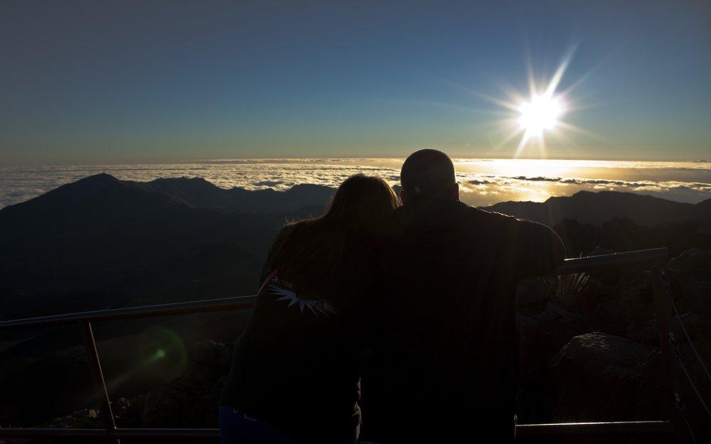 Maui_sunrise Love story