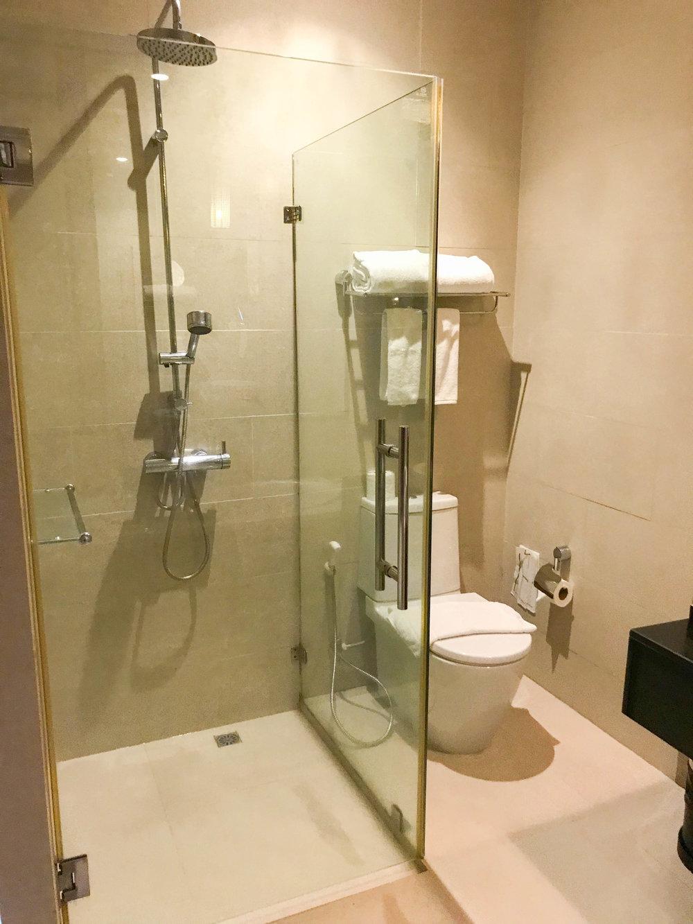 Hotel De Chai Colonial - Chiang Mai, Thailand - Superior Room Bathroom