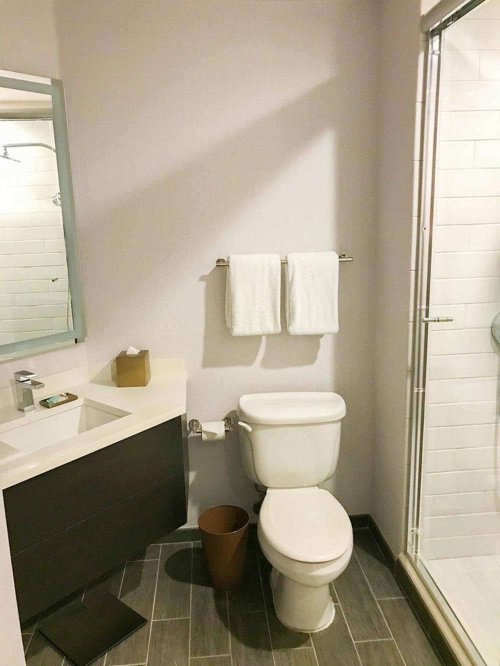 Hyatt Regency Sonoma County Bathroom
