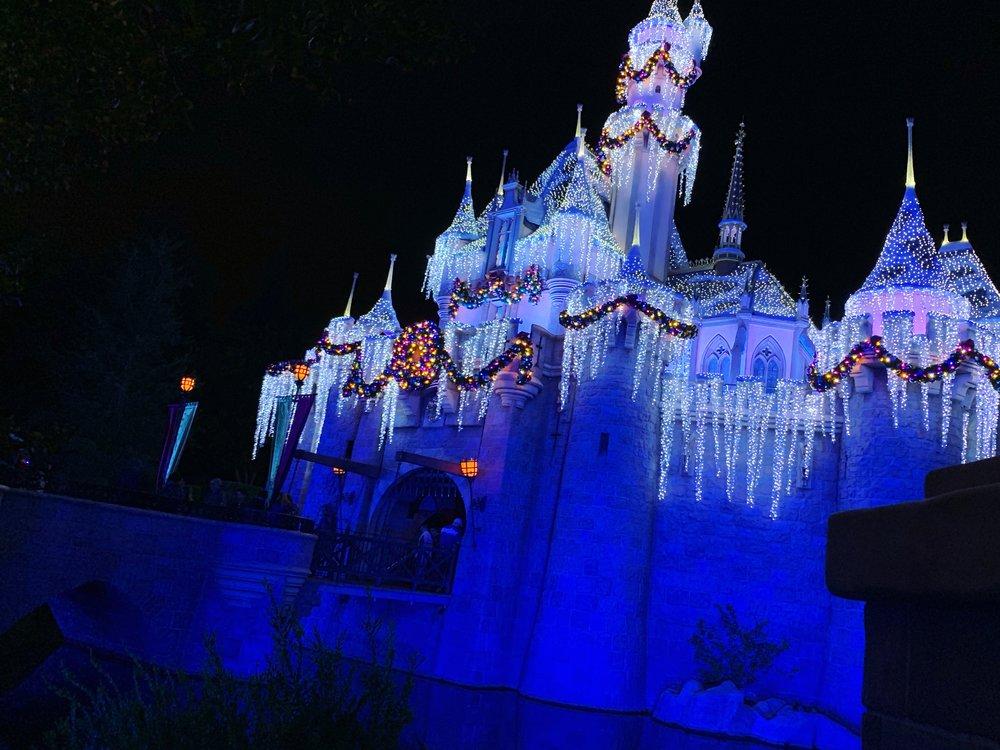 Christmas lights in Los Angeles - Disneyland castle