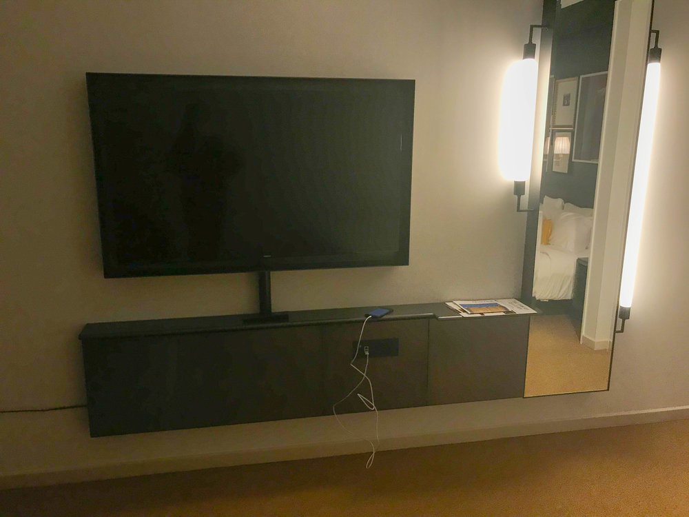 Park MGM-TV-Guest-Room