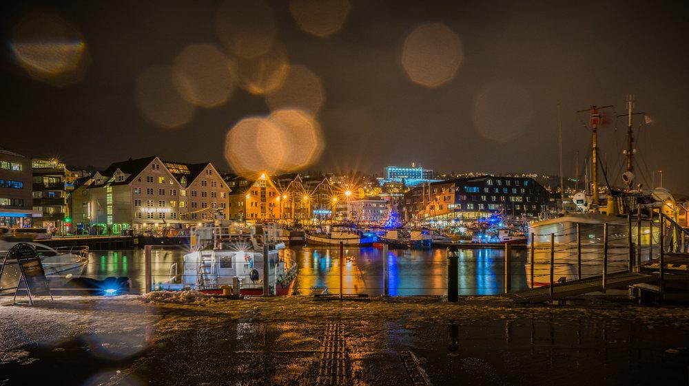 Norway_City_Harbor_lights.jpg