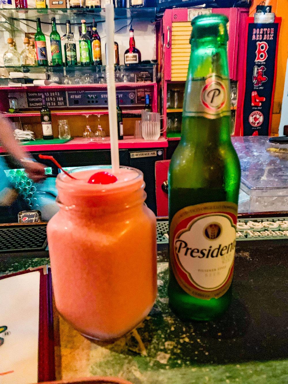 Smokey Joes Aruba - Pink Iguana Drink