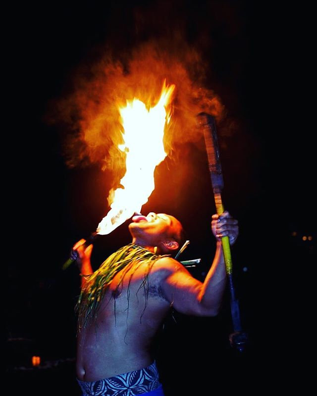 Igniting interest with a special element #fireknifedancer . . . #eventplanning #eventplanningoahu #eventplanninghawaii #specialevents #meethawaii #dmchawaii #conferenceplanning #eventproductionhawaii