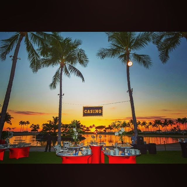 Nothing better than a great themed event with a #hawaiiansunset