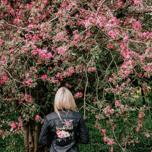How gorgeous does @laurynwhiting look in her Wanderlust jacket?  Painted florals: Pansies ~ Free thinker Dahlia ~ Lifelong love Juliet Rose ~ Romance Peony ~Passion Veronicas ~ Faithfulness