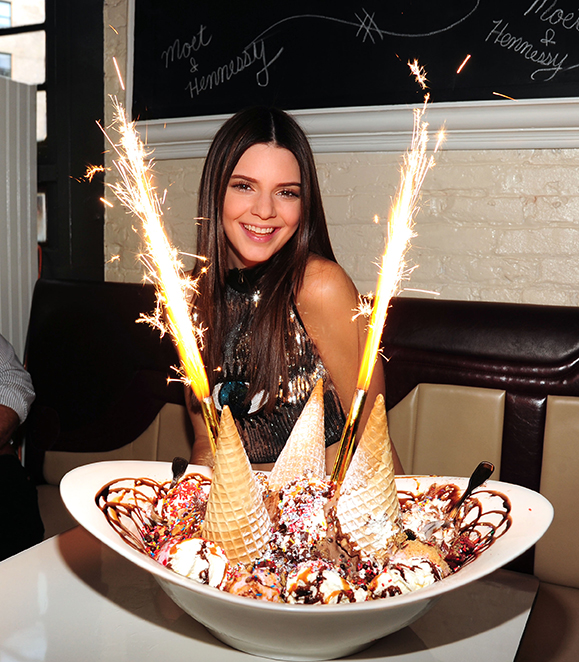 Kendall-Jenner-with-the-King-Kong-Sundae_0.jpg