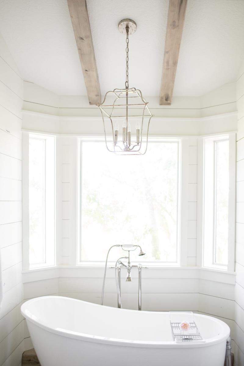 Moore House Interior Design Tumball Bathroom.jpg