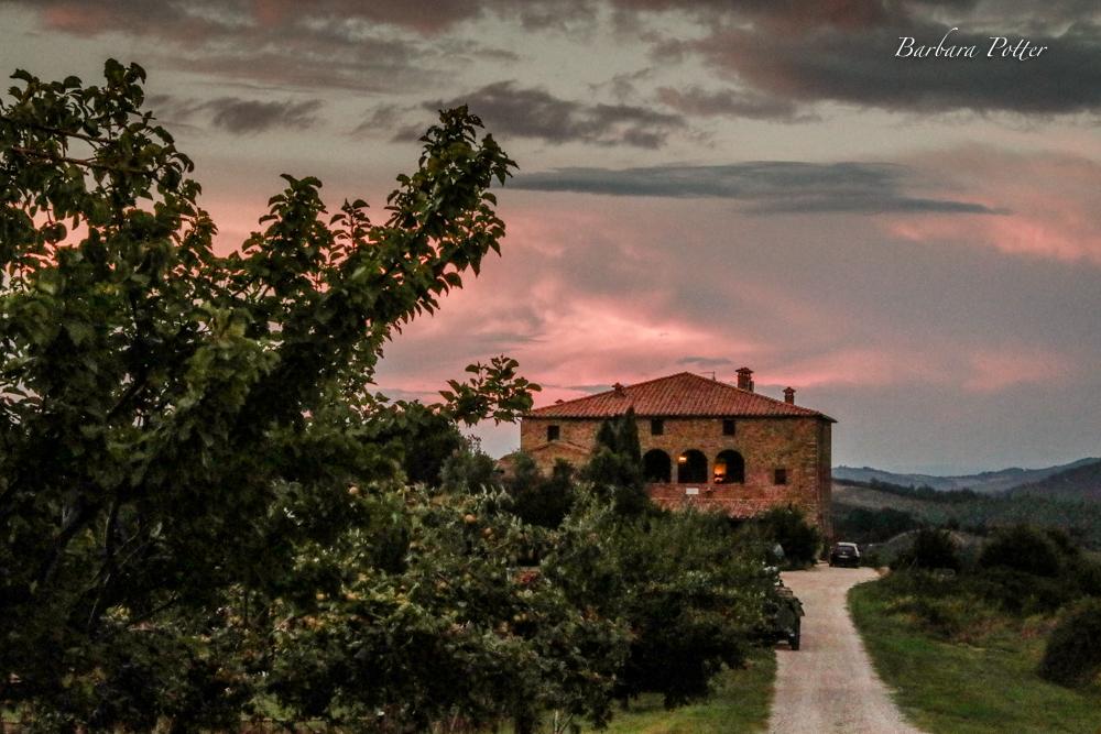 Last nights sky (Tuscany 1 of 1).jpg