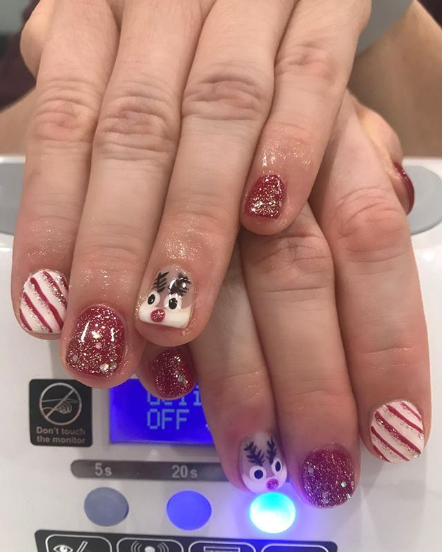 Ho ho ho, Merry Christmas! 🎄🦌 🎅🏻 And her toes matched, too! @sugarednails #safenails #bioseaweedgel @bioseaweedgel #chandlernailsalon #chandlerspa #chandlersalon #phoenixnailsalon #phoenixsalon #cleannailsalon